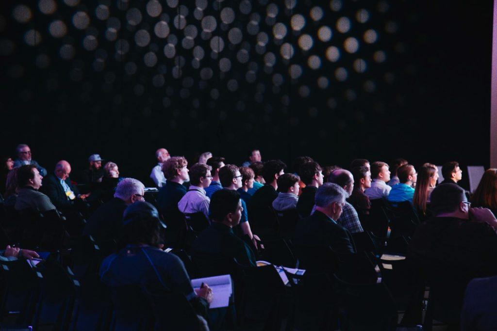 kurs og webinar - nettundervisning - videomøte - avent digital